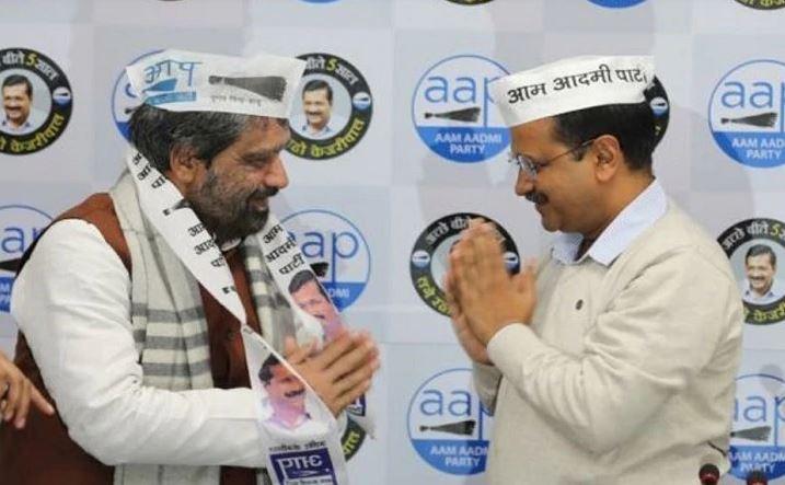 AAP ने जारी की 70 उम्मीदवारों की लिस्ट, 15 विधायकों का कटा टिकट