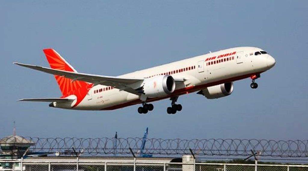 अमेरिका में फंसे हजारों भारतीयों को निकालने के लिए रवाना होगीं विशेष उड़ाने