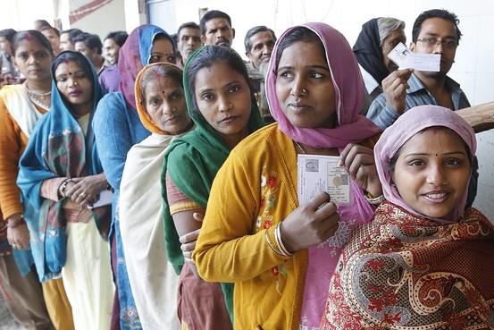 दिल्ली में मिडिल और लोअर क्लॉस के बगैर BJP की राह मुश्किल