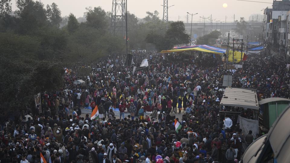 शाहीन बाग: बंदसड़क खुलवाने के लिए सुप्रीम कोर्ट की शरण में स्थानीय लोग