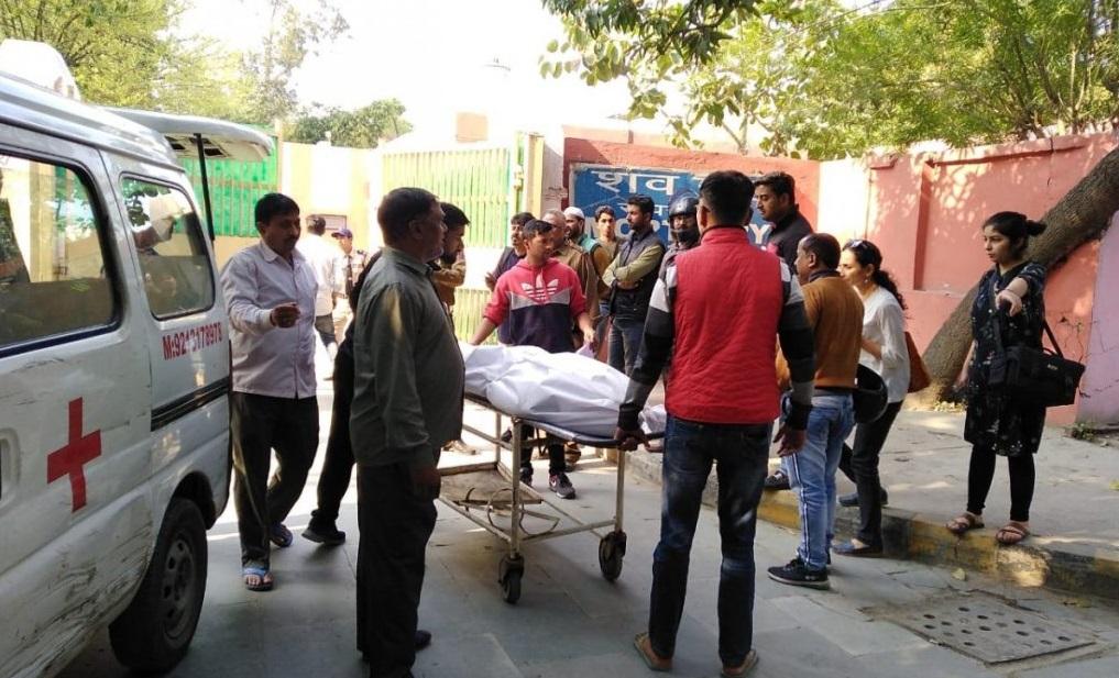 दिल्ली हिंसा: IB कर्मचारी अंकित शर्मा के बाद तीन और अज्ञात शव नाले में मिले
