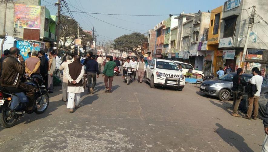 दिल्ली दंगे के बाद अब पटरी पर लौट रही है जिदंगी