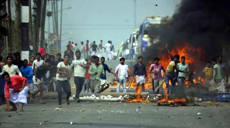 नहीं रुक रहा दिल्ली का दंगा, अब तक 7 की मौत कई गाड़ियां आग हवाले