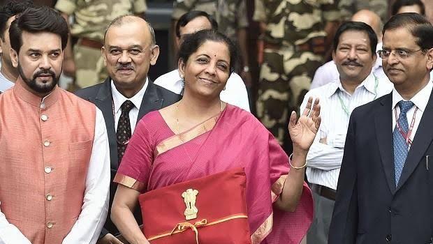 आज वित्त मंत्री निर्मला सीतारमण कर रही है बजट पेश