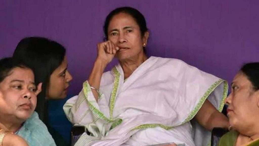 पश्चिम बंगाल की मुख्यमंत्री ममता बनर्जी के बदले तेवर