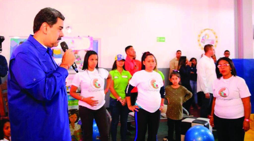 भुखमरी के कगार पर वेनेजुएला, बढ़ी गृहयुद्ध की आशंकाएं