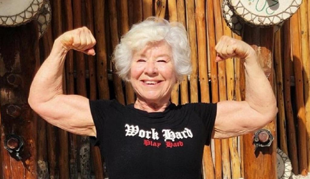 ये दादीपहले रहती थीं बीमार, 73 साल के उम्र ऐसी बॉडी बना बनी स्टार