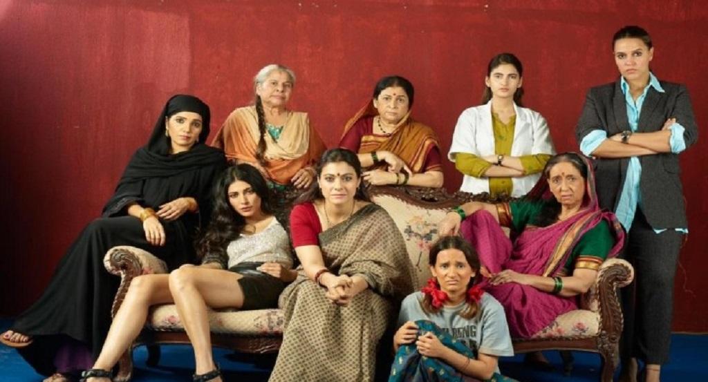 फिल्म 'देवी' की स्क्रीनिंग पर काजोल संग कई हस्तियों का जमावड़ा