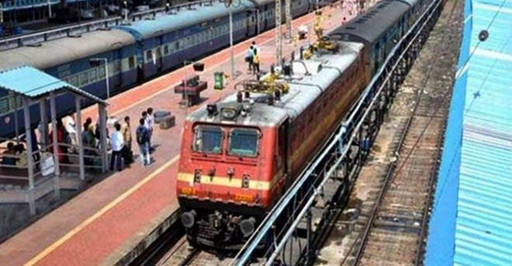 रेलवे को 100 रुपए कमाने के लिए खर्च करने पड़ रहे हैं 341 रुपये
