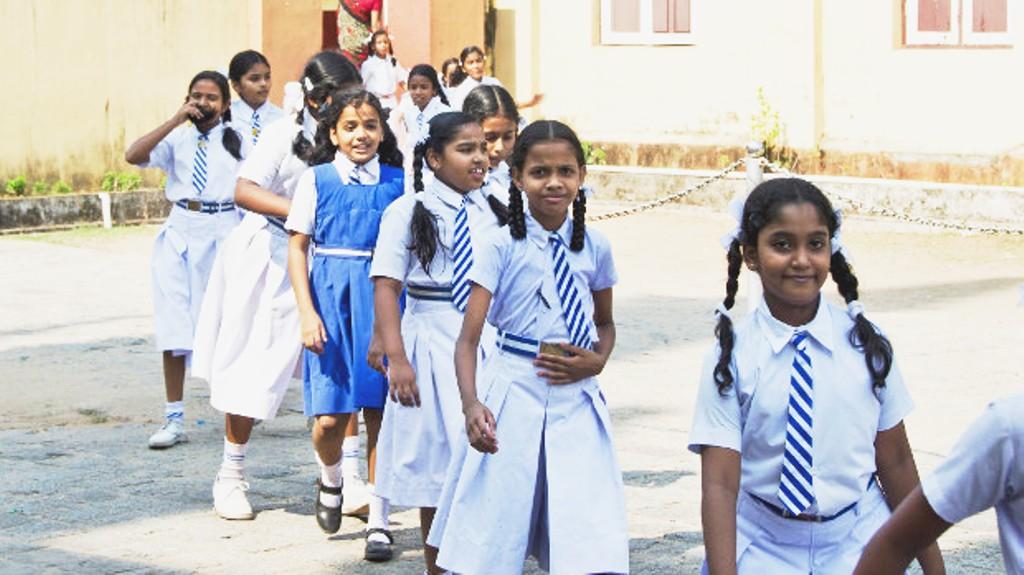 उत्तराखंड सरकार ने कहा, विद्यालयों में एडवांस फीसया फीस बढ़ाने पर होगी सख्त कार्रवाई