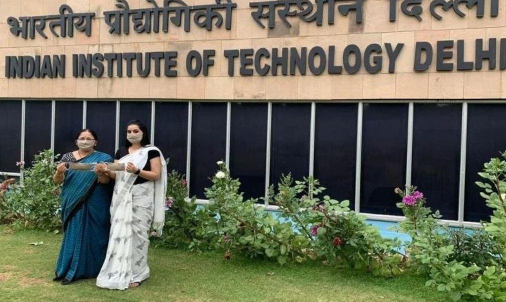 IIT दिल्ली की दो महिला वैज्ञानिकों ने बनाया एंटी वायरस मास्क