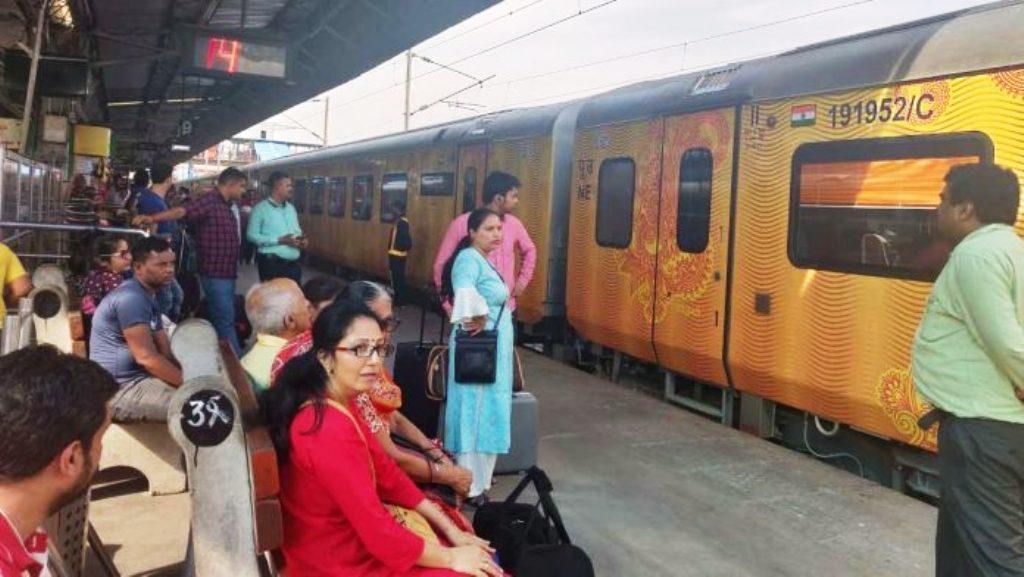 देश में रेल सेवा बहाल करने के फैसले पर कई राज्यों के मुख्यमंत्रियों ने जाहिर की चिंता