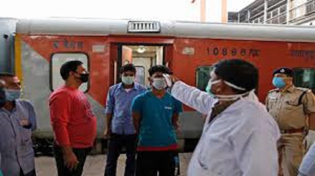 इंडियन रेलवे आज से चलाएगा 200 विशेष ट्रेनें, यात्रा से पहले पढ़ें नियम