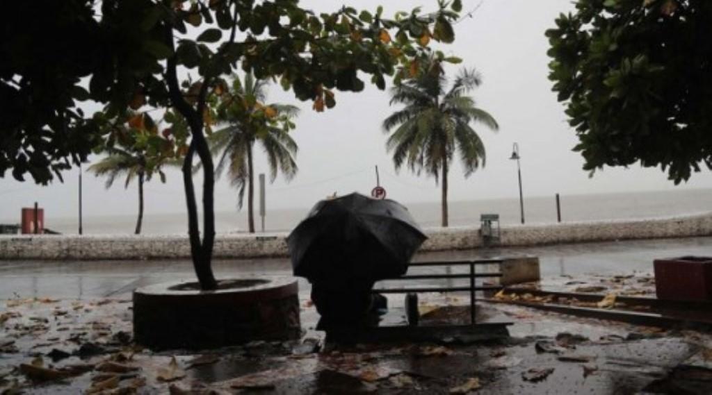 चक्रवाती तूफान निसर्ग मुंबई के अलीबाग-रायगढ़ तट से टकराया, 120 KM प्रति घंटे की रफ्तार