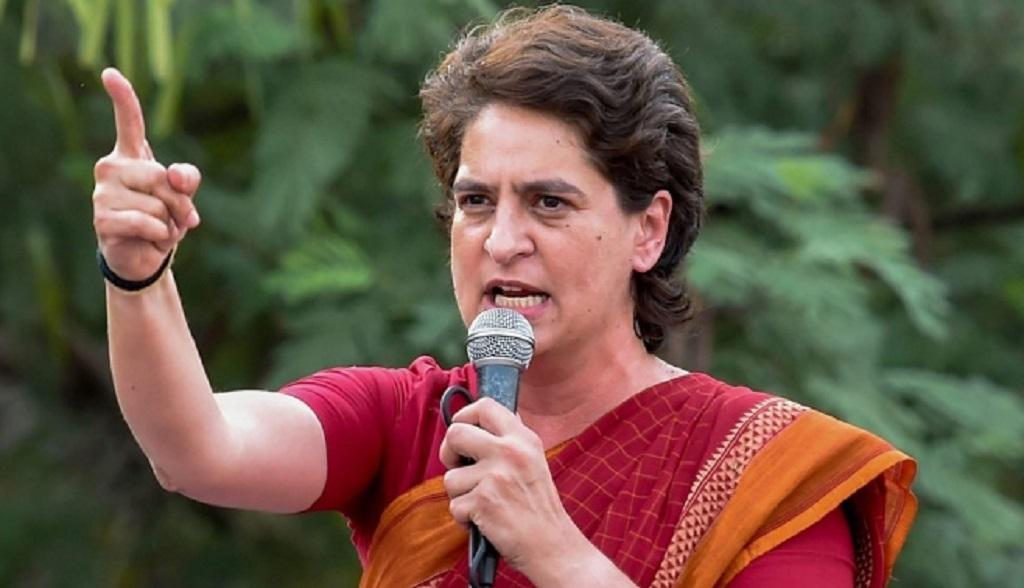 प्रियंका गांधी ने बाल आयोग के नोटिस पर कसा तंज, कहा- इंदिरा की पोती हूं BJP की अघोषित प्रवक्ता नहीं