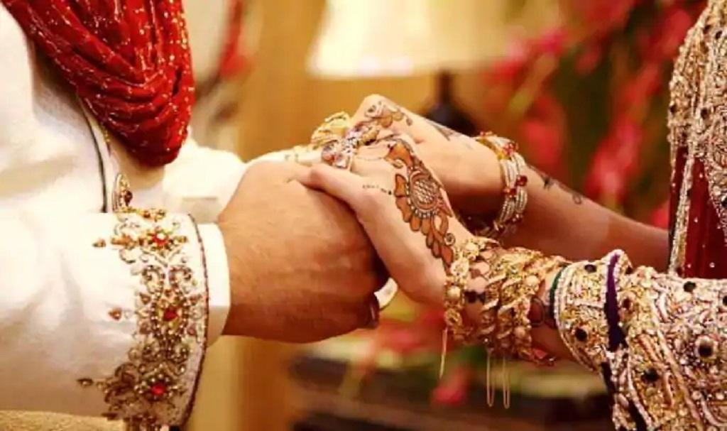 शादी समारोह में शामिल 101 लोग कोरोना संक्रमित, शादी के दो दिन बाद ही दूल्हे की मौत
