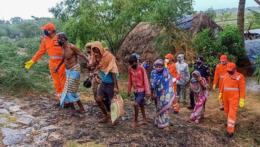देश भर में बाढ़ राहत कार्यों के लिए NDRF ने 90 से अधिक टीमों को किया तैनात