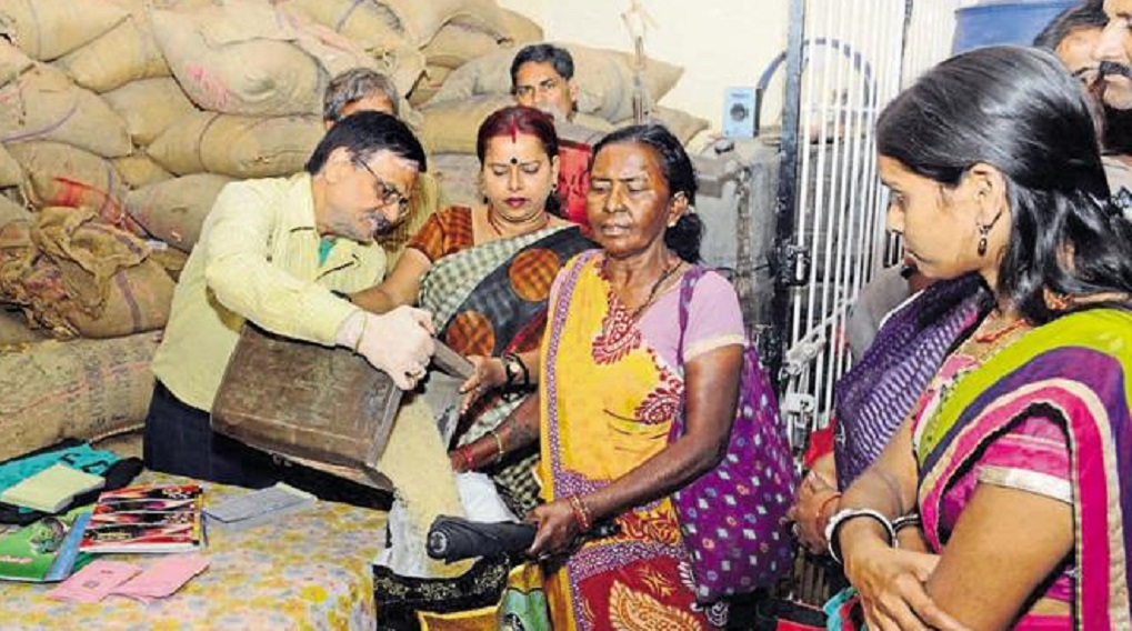 Uttarakhand government took steps, will get ration only after putting thumb on machine