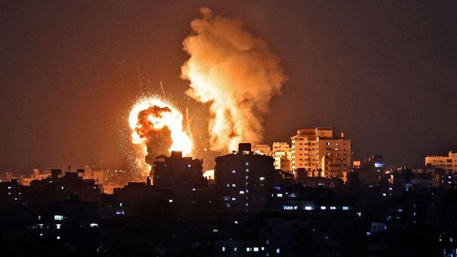 गाजा पट्टी में Israeli Air Strike से 21 की मौत